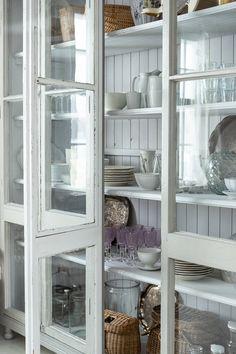 Parolan Asema: Vitriini ikkunoista Inspiration, Home, Biblical Inspiration, Ad Home, Homes, Haus, Inspirational, Inhalation, Houses