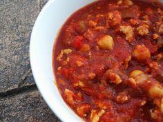 Ground chicken & chickpea chili