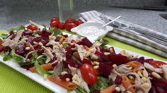 Bieten met makreel salade
