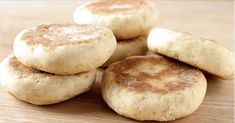 Bread without oven made in pan - Only 2 ingredients! Bread Bun, Bread Rolls, Bread Recipes, Baking Recipes, Recipe For 4, Sweet Bread, Indian Food Recipes, Bread Baking, Baking Soda
