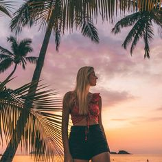 We could live in Koh Chang just to have sunsets like this for the rest of our days💛  .  .  .  #sheisnotlost #americanstyle #wearetravelgirls #ladiesgoneglobal #globelletravels #tlpicks #travelandleisure #healthytravel #beautifulmatters #womenwhoexplore #girlswhotravel #travelmore #travelgirls #lifewelltravelled #femmetravel #travelblogger #viaparadise #hotelsandresorts #beautifulhotels #beautifulhotels #thailand #kohchang #aboutthailand #emeraldcoveresort #luxuryhotels #dametravelerhotels