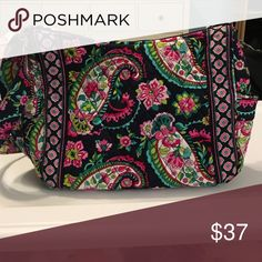 Vera Bradley purse Style is On the Go cross body. Pattern is Parisian paisley. Gently used. In pristine condition. No rips. No tears. No marks. This is an authentic Vera Bradley. Open to offers Vera Bradley Bags Crossbody Bags