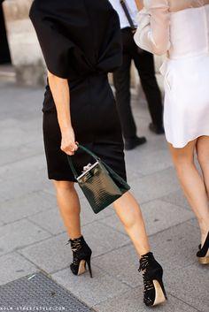 ✕ Lovely little handbag