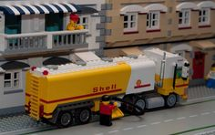 https://flic.kr/p/7iPXkz | Shell tanker