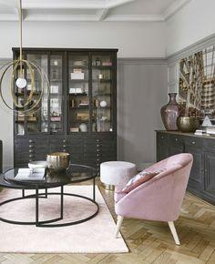 Quel fauteuil rose choisir ? | My Blog Deco Rose Pastel, Blog Deco, Looks Vintage, Divider, Room, Furniture, Home Decor, Vintage Modern, Modern Armchair