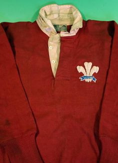 Rugby history - Born today in 1903 : Iorwerth Jones (Wales) played v… Rugby Videos, Australia Rugby, National Rugby League, Wales Rugby, Rugby Sport, Cymru, Football, Dragon Wagon, Exercises