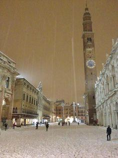 Piazza dei Signori, Vicenza, Italy (photo Valeria Cacciatore), Veneto region Italy