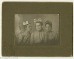 Old Photo of 3 Women Girls Sisters Spectacles Glasses Cooperstown North Dakota | eBay.  What year were these huge bows in fashion?