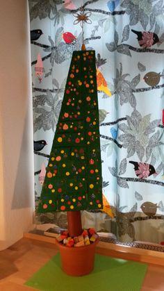 cardboard christmas tree thomas dambo