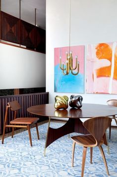 Find out the best contemporary lighting to elevate your dining space! Here you find 5 mid-century modern lamps that will be the answer for you. Dining Room Light Fixtures, Dining Room Walls, Dining Room Lighting, Dining Room Design, Dining Room Furniture, Living Room, Dining Room Inspiration, Interior Design Inspiration, Midcentury Modern