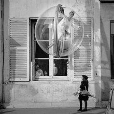 "Melvin Sokolsky- ""Bubble series"" for Harpers Bazaar 1963 Spring Collection  http://www.sokolsky.com/#/classics/paris-1963/LeDragon"