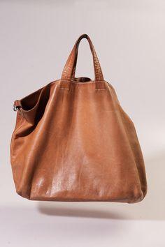 5c744d10d09 Soms ontstaat een tas omdat aan een bestaande tas me iets opvalt, waar mijn  handen