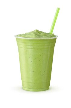 Green Tea Frappe: Blended Drink (Made With Japanese Matcha Powder, Ice, Sugar, and Regular or Non-Dairy Milk) in a Plastic Cup on White Background Oatmeal Smoothies, Healthy Smoothies, Matcha Frappe Recipe, Plastic Cup With Straw, Cold Green Tea, Fennel Tea, Matcha Drink, Strawberry Oatmeal, Jasmine Green Tea