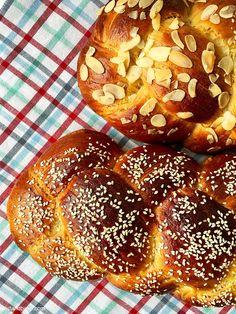 ΑΡΩΜΑΤΙΚΟ ΤΣΟΥΡΕΚΙ:TWIST AND BAKE EDITION- GREEK SWEET BREAD «TSOUREKI» – TWIST AND BAKE Sweets Recipes, Cake Recipes, Desserts, Greek Easter, Sweet Bread, Food Photo, Doughnut, Recipies, Baking