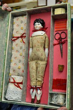 Old Dolls, Antique Dolls, Vintage Dolls, Fabric Dolls, Paper Dolls, Teddy Toys, Bride Dolls, Realistic Dolls, China Dolls