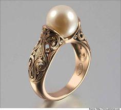 A 14 carat masterpiece!  #goldrings #ringsforwomen #dimondrings