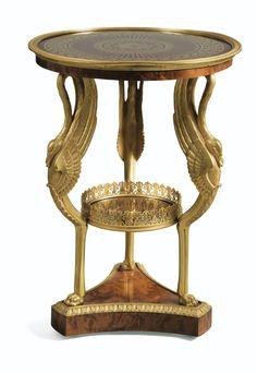 Guéridon en placage de loupe et montures de bronze doré<br /><br>de style Empire | Lot | Sotheby's