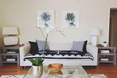 The Ultimate Decorators' Guide to Ideal Living Room Layout Measurements - Keeping these guidelines in mind when planning a layout will always ensure a well-proportioned living space that's easy to walk and live in.