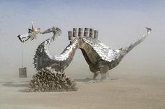 Dragon con metales reciclados