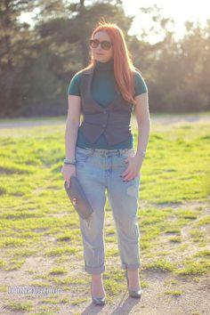 Teal & boyfriend jeans - #outfit - DoYouSpeakGossip.com