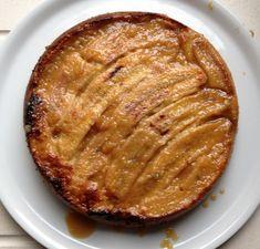 Un gâteau renversé réconfortant pour le goûter ,bananes,noix de coco,une pointe de rhum...et un miam caramel légèrement salé... Pour un moule à manqué de 26CM diam. Préparation et thermomix :15MN Cuis