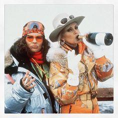 Jennifer Saunders and Joanna Lumley skiing – Absolutely Fabulous Jennifer Saunders und Joanna Lumley beim Skifahren – Absolut fabelhaft