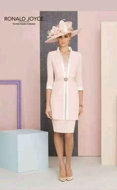 Veni Infantino Mother Of The Bride/special Occasion Outfit Pink / Ivory Mother Of The Bride Fashion, Mother Of The Bride Suits, Mother Of Bride Outfits, Mothers Dresses, Mother Bride, Womens Dress Suits, Gala Dresses, Party Dresses, Older Women Fashion