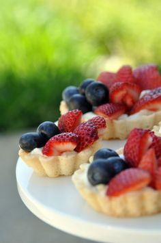 Photobucket Tart Recipes, Fruit Recipes, Dessert Recipes, Yummy Treats, Sweet Treats, Yummy Food, Party Desserts, Just Desserts, Vegan Desserts