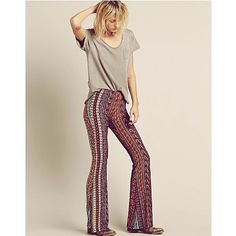 Stunningly #paisley! Bring out the #hip spirit with this bell bottom #pants. Ace that look with mid tuck-in plain #shirt and you're good to go. Great for the bringing out the extrovert in you when in gathering with friends or family night or day  Manishie | paisley bell bottom pants . . . . . #fashion  #ootd #ootn #boho #bohochic #gypsy #gypsysoul #bohemian  #hippie #hippiechic #bohofashion #gypsyfashion #gypsychic #bohogirl #freeshipping #gypsygirl #gypsyheart #thegypsygurl…