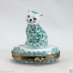 HANDPAINTED FRENCH LIMOGES BOX WITH HEREND STYLE CAT