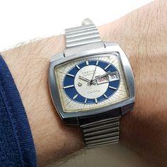 Certina Certiday Automatic 1977 Fuul Çelik Nadir kasa Çift Takvimli Sorunsuz bakımlı Tepe toka kordon tamamen orjinal Jumbo ebat 42 mm capında  Günluk kullanima uygun dakik Fiyati makul kargo dahil fiyatı 450 tl  #antika #antikasaat #retro #vintage #watch #rolex #omega #longines #zenit #hislon #nacar #watches #saat #swatch #satilik #ikinciel #koleksiyon #collection #ilstanbul #fashion #moda #aniyakala #vscoturkey #likeforlike #vsco #vscocity #swissmade #modasaat #watchporn  @antikasaatcim…