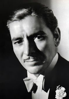 Ronald Colman - Photo by George Hurrell Hollywood Men, Hooray For Hollywood, Hollywood Icons, Old Hollywood Glamour, Golden Age Of Hollywood, Vintage Hollywood, Classic Hollywood, Ronald Colman, George Hurrell