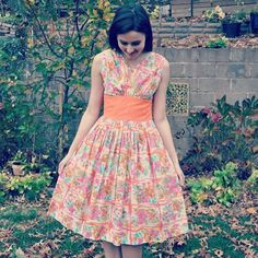 Happy Thanksgiving from Mynt Vintage!  Wishing everyone a wonderful Thanksgiving.  #happythanksgiving #thanksgiving #thursday #morning #vintage #vintagedress #etsy #etsydress #vintagefinds #vintagefashion #etsyfinds #1950s #1950sdress #50sdress #tangerinedress #floraldress #brightbouquetdrsss #fullskirt #cottondress #fashion #fall #outdoors #fashion #fashionista #fashionblog #myntvintage #myntvintageetsy