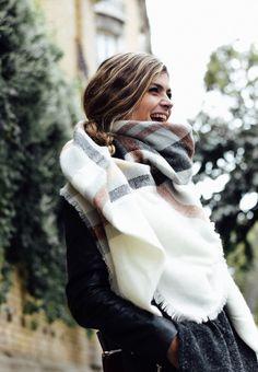 26 meilleures images du tableau echarpe à la mode   Foulards ... edf8527f48d