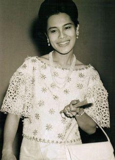 ต่างชาติยกย่อง!! ควีนสิริกิติ์ พระราชินีแห่งสยาม พระสิริโฉมงดงามที่สุดในโลก...ขอบคุณเจ้าของภาพ - 16