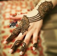 Best Eid Mehndi Designs Special Collection consists of amazing series of henna mehndi patterns of hands for Eid ul Fitr, Eid ul Adha. Modern Mehndi Designs, Mehndi Designs For Girls, Bridal Henna Designs, Beautiful Mehndi Design, Latest Mehndi Designs, Henna Tattoo Designs, Mehandi Designs, Wedding Designs, Mehndi Design Pictures