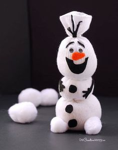 Olaf Sock Snowman Tutorial Do You Want To Build a Snowman? {Olaf Sock Snowman Tutorial from OneCreat Kids Crafts, Sock Crafts, Winter Crafts For Kids, Crafts To Do, Craft Projects, Craft Ideas, Toddler Crafts, Creative Crafts, Diy Ideas