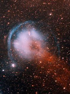 Universo Mágico: El viaje de la nebulosa HFG1