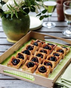 1000 images about canap inspiration on pinterest for Puff pastry canape