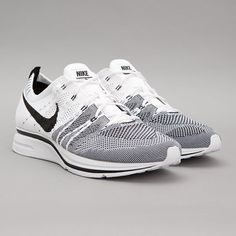 Nike Flyknit Trainer+ (White / Black)