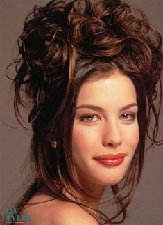 The place for Liv Tyler's fans - Latest news about Liv, Huge Gallery, Forum Liv Tyler Hair, Liv Tyler 90s, Steven Tyler Daughter, Cute Cuts, Brunette Beauty, Woman Face, Hollywood Actresses, Most Beautiful Women, American Actress