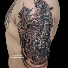 I seriously love the colors and shades, outlines, and fine detail. This is really an excellent idea if you want a Samurai Tattoo Sleeve, Samurai Warrior Tattoo, Shoulder Armor Tattoo, Cool Shoulder Tattoos, Warrior Tattoos, Japanese Tattoos For Men, Japanese Leg Tattoo, Japanese Tattoo Designs, Tattoo Designs Men