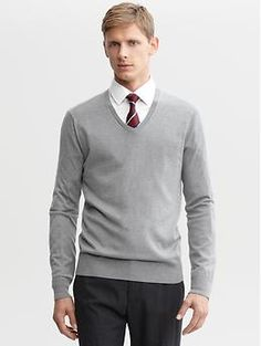 A business casual look that falls more towards the professional side.