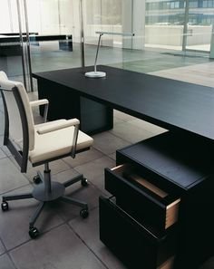 Normal - Desk (By Jean Nouvel for Bulo)