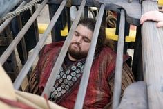It's Hurley ! Time News, Hook And Emma, I Cant Help It, Jolly Roger, Tv Episodes, Captain Swan, Time Photo, Ouat, Hurley