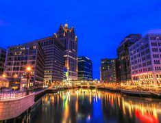 Milwaukee city Pictures series 43 – Photos of Milwaukee city : Milwaukee Lakefront, Milwaukee City, Milwaukee Wisconsin, Milwaukee Skyline, Best Places To Move, Places To See, Wonderful Places, Great Places, Places Around The World