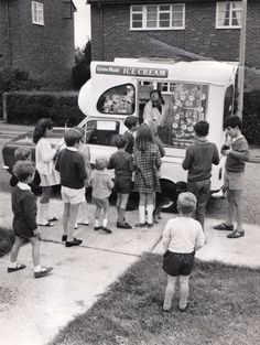 The ice cream man. Hear that jingly music of the truck coming slowly down the street and all the kids would run out to greet the ice cream man. Vintage Photographs, Vintage Photos, Nostalgia, Retro, Ice Cream Van, Photo Vintage, My Childhood Memories, 1970s Childhood, My Memory