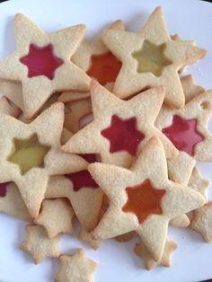 Glas in Lood Koekjes - I am Cooking with Love Leuk om in de kerstvakantie met kinderen te maken.