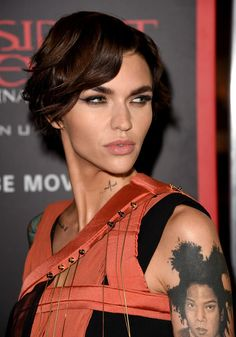 Ruby Rose Short Wavy Cut - Ruby Rose wore her short hair in a tousled wavy style at the premiere of 'Resident Evil: The Final Chapter.'