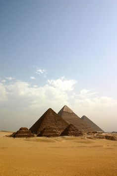 Pyramid Of Menkaure, Pyramid Of Khafre & Great Pyramid Of Khufu - Giza, Egypt Egypt Travel, Africa Travel, Wonderful Places, Beautiful Places, Beautiful Buildings, Beautiful Life, Great Pyramid Of Khufu, Places To Travel, Places To Go